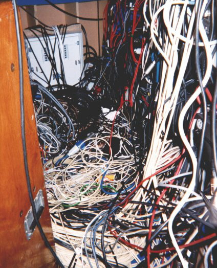 cable_mess_09