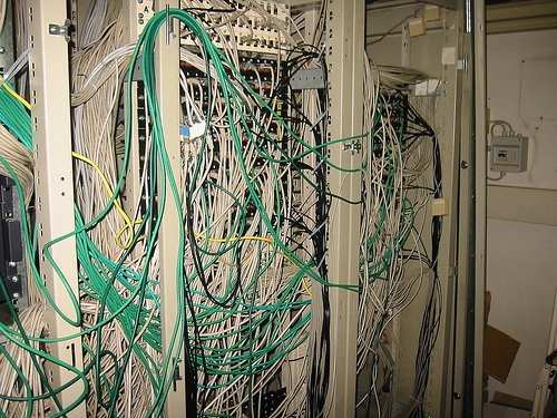 cable_mess_11