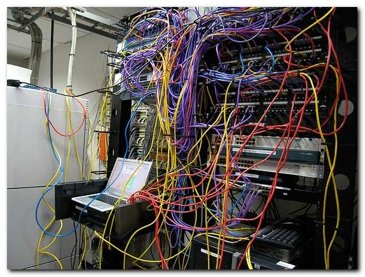 cable_mess_21