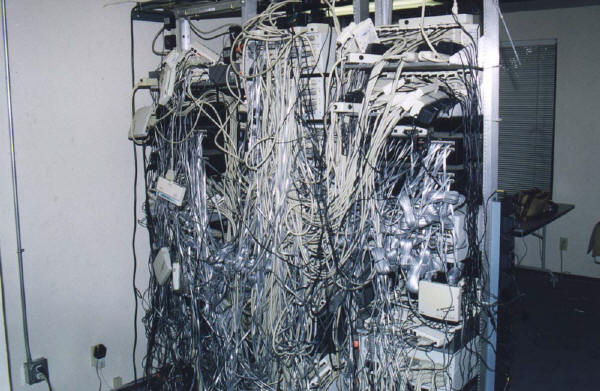 cable_mess_25
